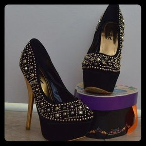 Sexy black Alba stiletto with gold studs and heel